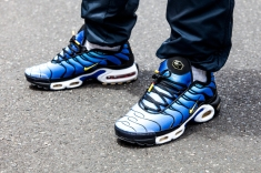 NIKE-AIR-MAX-PLUS-HYPER-BLUE-13