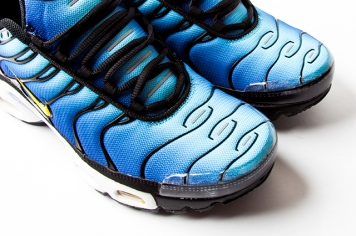 NIKE-AIR-MAX-PLUS-HYPER-BLUE-4