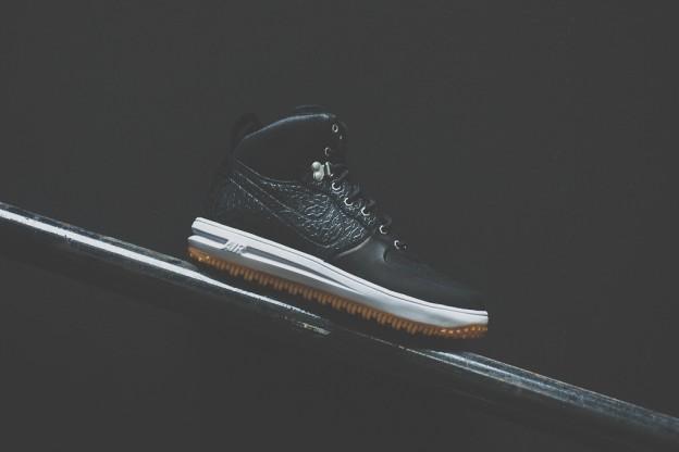 Nike_Lunar_Force_One_Sneaker_Boot_Sneaker_POlitics_1_4f28b770-59c7-4264-a11d-6467d05a9bfb_1024x1024