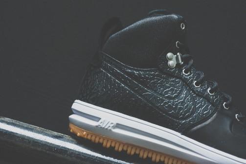 Nike_Lunar_Force_One_Sneaker_Boot_Sneaker_POlitics_2_7b1ee4f1-3307-4648-9eb5-f6d0f82da184_1024x1024